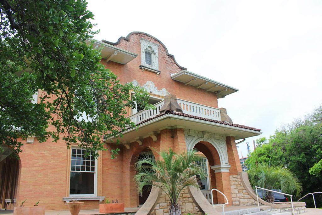 Gilfillan House
